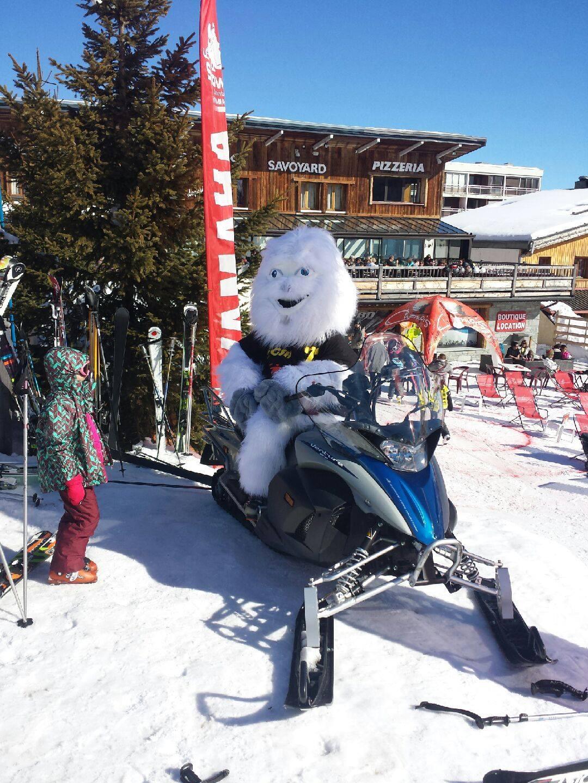 moto neige snows mobil